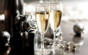 champagne-glasses-1024x640